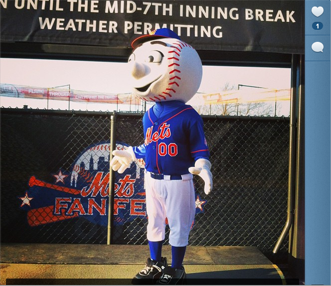 new arrival b9c98 f10f8 Mr. Met makes blue jersey debut + Friday crowd shots - The ...